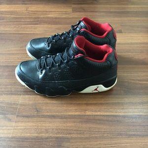 Jordan 9 retro low size 9.5